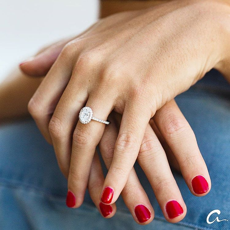 Everything you need to know about creating a custom engagement ring